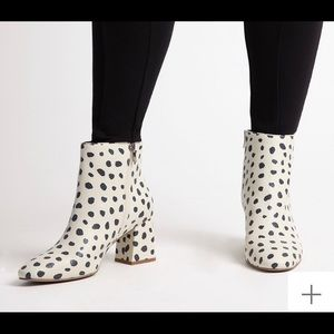 Snow leopard boot, stylish size 9 ELOQUII, new never worn